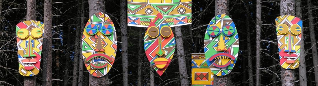 masques africains n'debele colorés